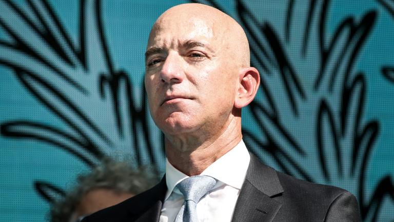 Jeff Bezos 6,7 milliárd dollárnyi Amazon-részvényt adott el