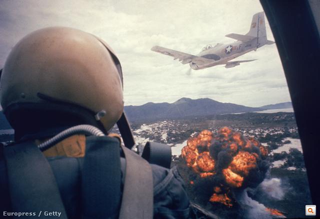 Larry Burrows legendás vietnámi képeit tartalmazó Nagyképes összeállításunkért kattintson!