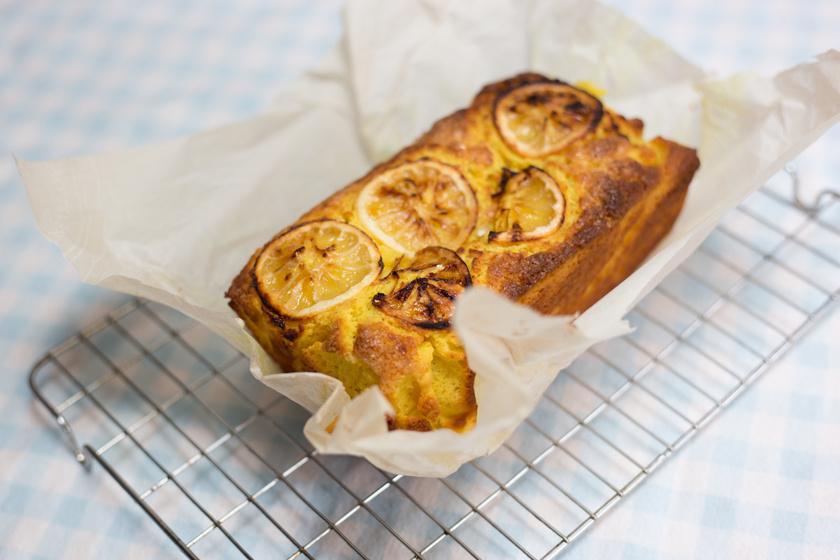 Ellenállhatatlan citromkenyér kevert tésztából: a joghurttól lesz olyan puha a tészta