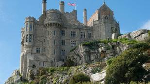 Lakjon egy kastélyban, még fizetnek is érte