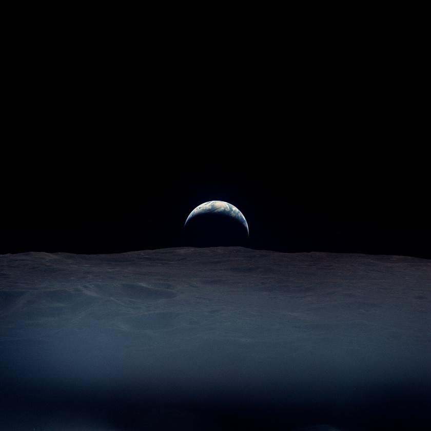 A képet Richard Gordon űrhajós készítette 1969. november 19-én az Apollo-12 holdra szállása idején.