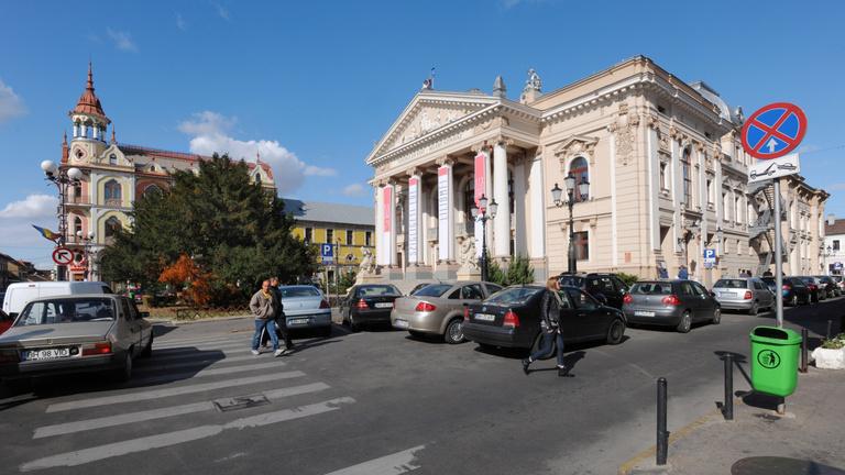 Összevonás és megszűnés fenyegeti a nagyváradi magyar színházat