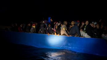 Lampedusánál ismét kétezer bevándorló ért partot