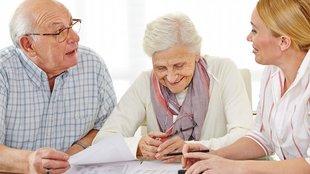 Kérjen telefonos segítséget! – avagy hogyan segítsünk idős rokonaiknak a hatékony kommunikációban az orvosokkal