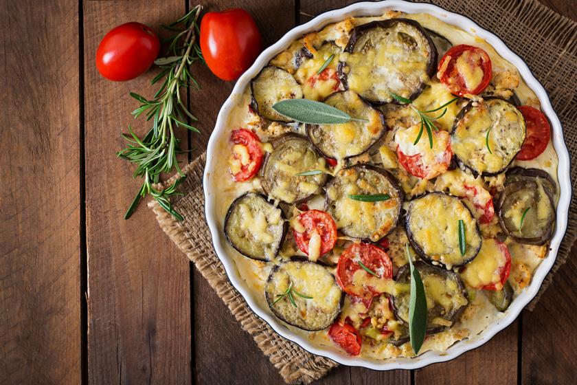 Isteni mediterrán rakott krumpli: a fűszerek még finomabbá varázsolják