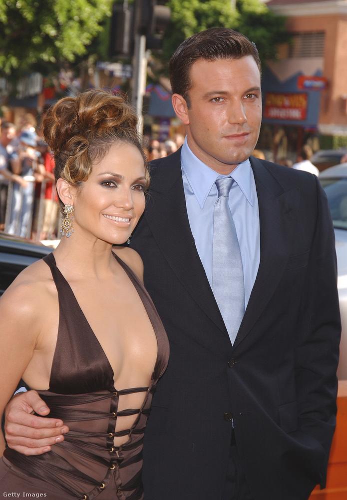 Ez a kép 2003-ban készült Ben Affleckről és Jennifer Lopezről, akik akkor egy párt alkottak