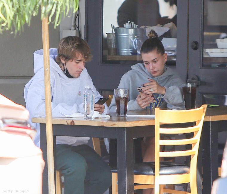 Justin Bieber énekes és Hailey Baldwin modell között a kapcsolat egy jelentéktelennek tűnő kapcsolatocskával kezdődött: 2015 decemberétől két hónapig voltak együtt