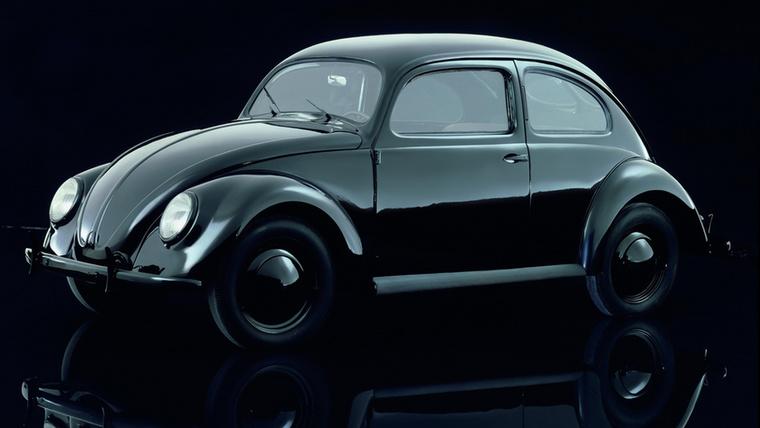 21,5 millió darabbal a Volkswagen Bogár igazi túlszárnyalhatatlan rekorder, de ez talán nem is olyan meglepő az autónál, amit 1938-tól egészen 2003-ig gyártottak lehetetlenül sok változatban, temérdek frissítéssel
