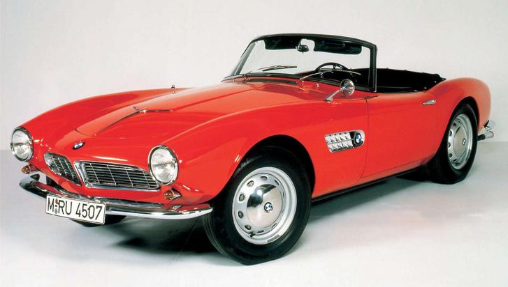 Minden idők egyik legszebb BMW roadstere volt az 507-es. Motorja V8-as