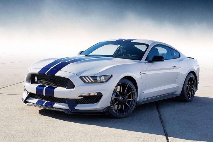 Különleges megoldású síkforgattyús főtengelyt kapott a 2016-os Mustang Shelby GT350-es V8-asa. A forgattyúcsapok nem lent-fent-fent-lent képletűek, hanem fent-lent-fent-lent elrendezésűek