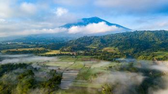 Földrengés rázta meg Szumátrát