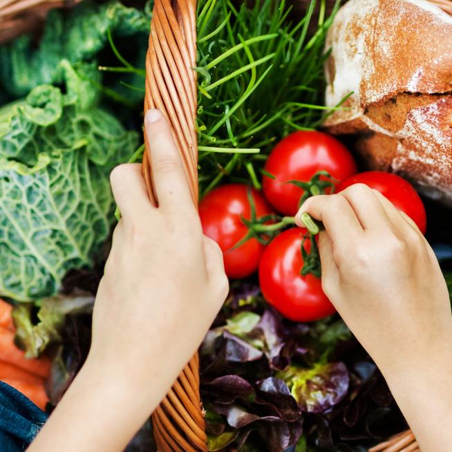 Életmódot váltasz vagy fogyókúrázol? Ezeket az alapanyagokat szerezd be, hogy ne csábulj el