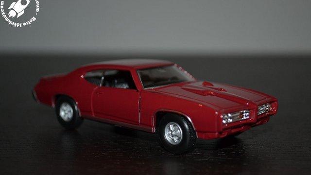 1969-es Pontiac GTO kisautó