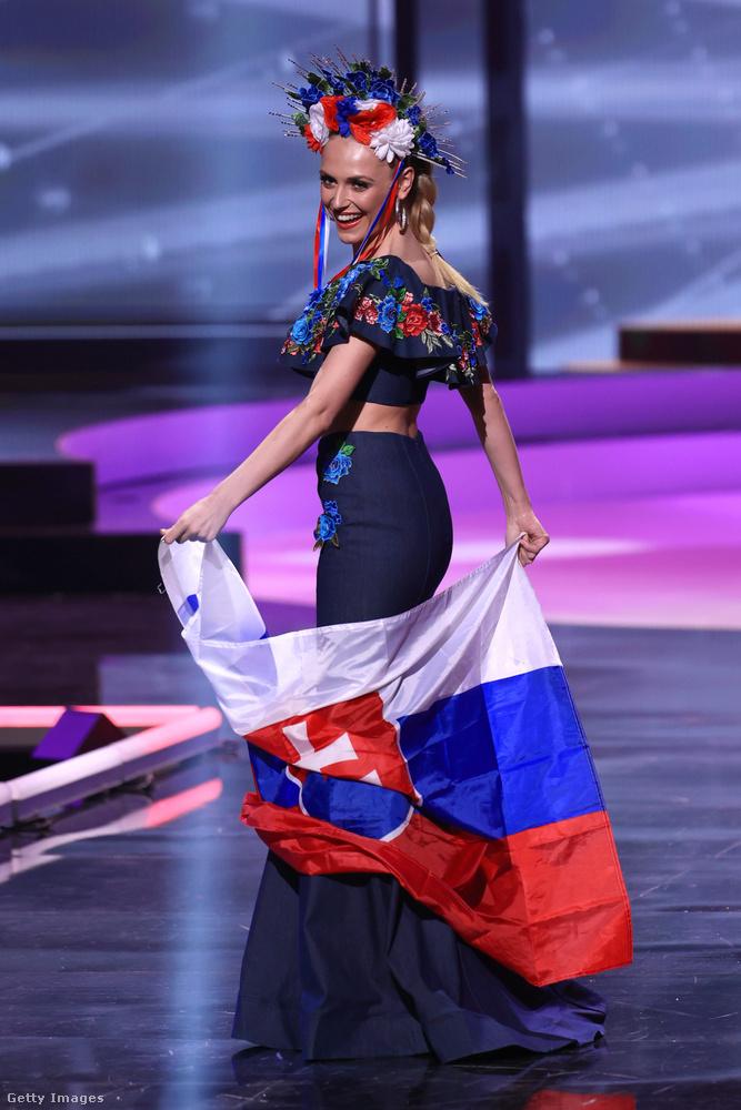 Natália Hoštáková szlovák, de valószínűleg ez utóbbit felesleges is volt ideírni.