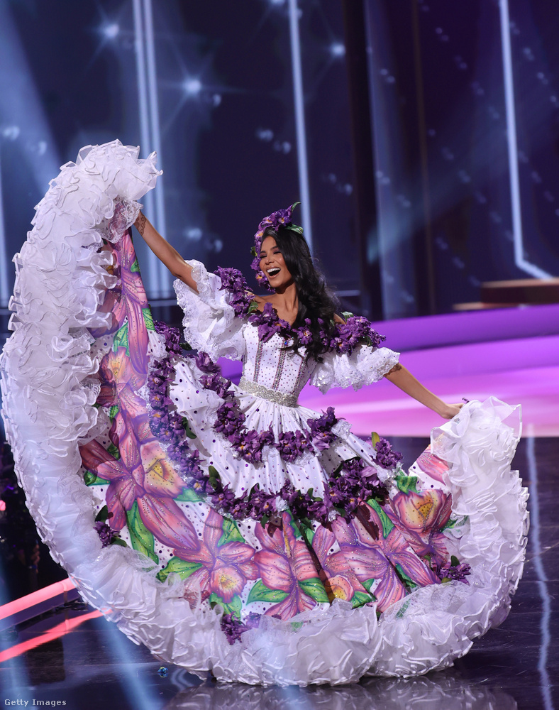 Miss Costa Rica, vagyis Ivonne Cerdas Cascante.