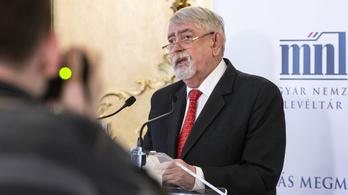 Kásler Miklós szerint még nem lehet tudni, kitart-e egy évig a koronavírus elleni oltás