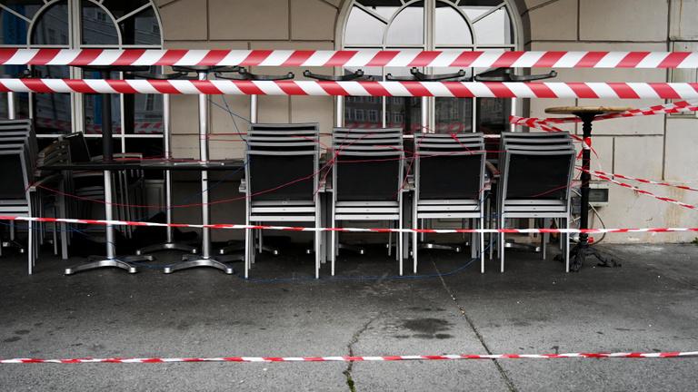 Szombat éjféltől nincs kijárási tilalom Ausztriában
