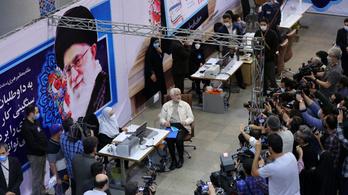 Csaknem hatszázan indulnak az iráni elnökválasztáson