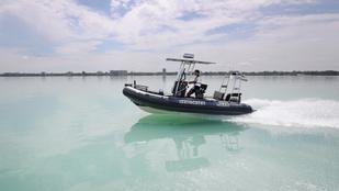 Balatonból mentettek horgászokat a vízi rendőrök