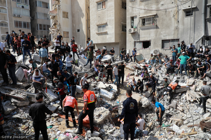 Izraeli légi csapás helyszíne Gáza városában 2021. május 16-án