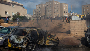 Folytatódik a rakétaháború Izrael és a Hamász között, Gázában 42 ember halt meg