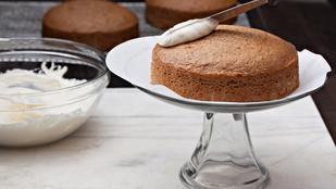 Cukkinis-narancsos sütemény sajtkrémes mázzal – egészségesebb és egyszerűbb, mint a legtöbb süti, amit ismersz