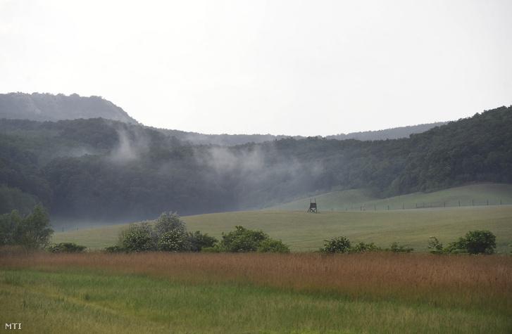 A Gerecse hegység Péliföldszentkereszt közelében