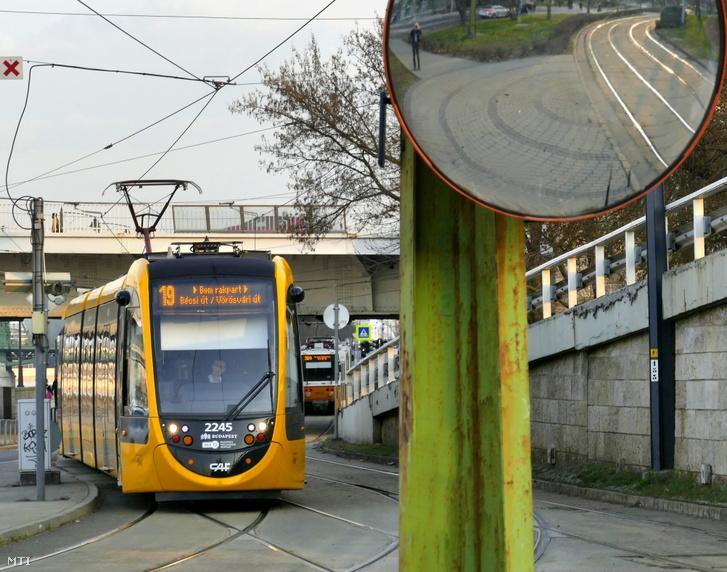 CAF Urbos típusú villamos szerelvénye halad az Erzsébet hídnál a Bécsi úti végállomása felé.