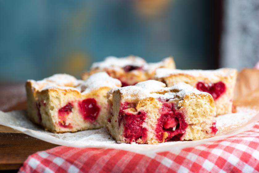 Mennyei cseresznyés süti, amelynek képtelenség ellenállni: csak keverd egybe a hozzávalókat