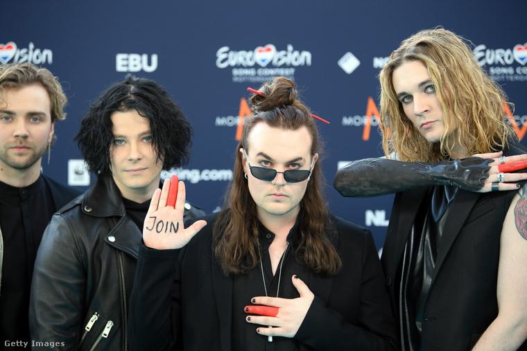 Szintén csupafeketében jött Blind Channel együttes Finnországból