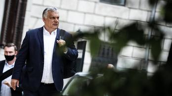 Orbán Viktor: Hahó, fészbukosok! Ki örül az esőnek?