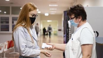 Csökken az új fertőzöttek száma, még 251-en vannak lélegeztetőgépen