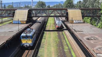 Késnek a vonatok, a Nyugati és Kőbánya-Kispest között csak egy vágány használható