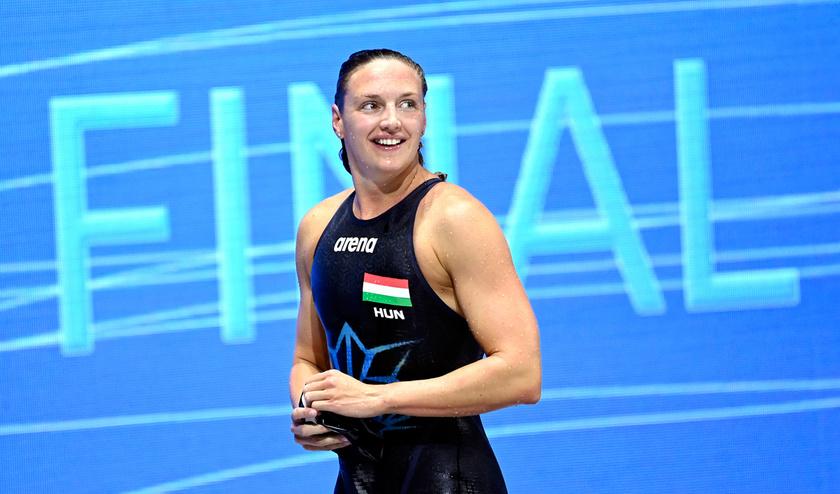A győztes Hosszú Katinka a női 400 méteres vegyesúszás döntője után a budapesti vizes Európa-bajnokságon a Duna Arénában 2021. május 17-én.