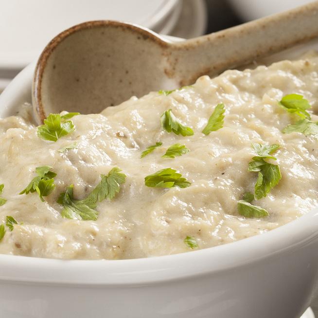 Joghurtos padlizsánsaláta húsok mellé: jól behűtve a legfinomabb