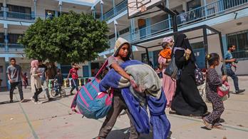 Több mint 50 ezer palesztinnak kellett elhagynia az otthonát