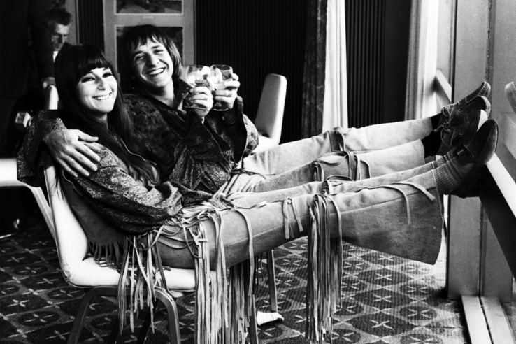 Sonny Bono és Cher sajtótájékoztatót tart 1965. augusztus 3-án.