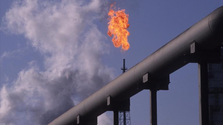 Energiaügynökség: az olajipar állítsa le a feltárási projekteket