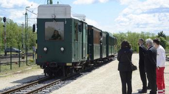 Több ezer milliárd forint lesz új vonatokra
