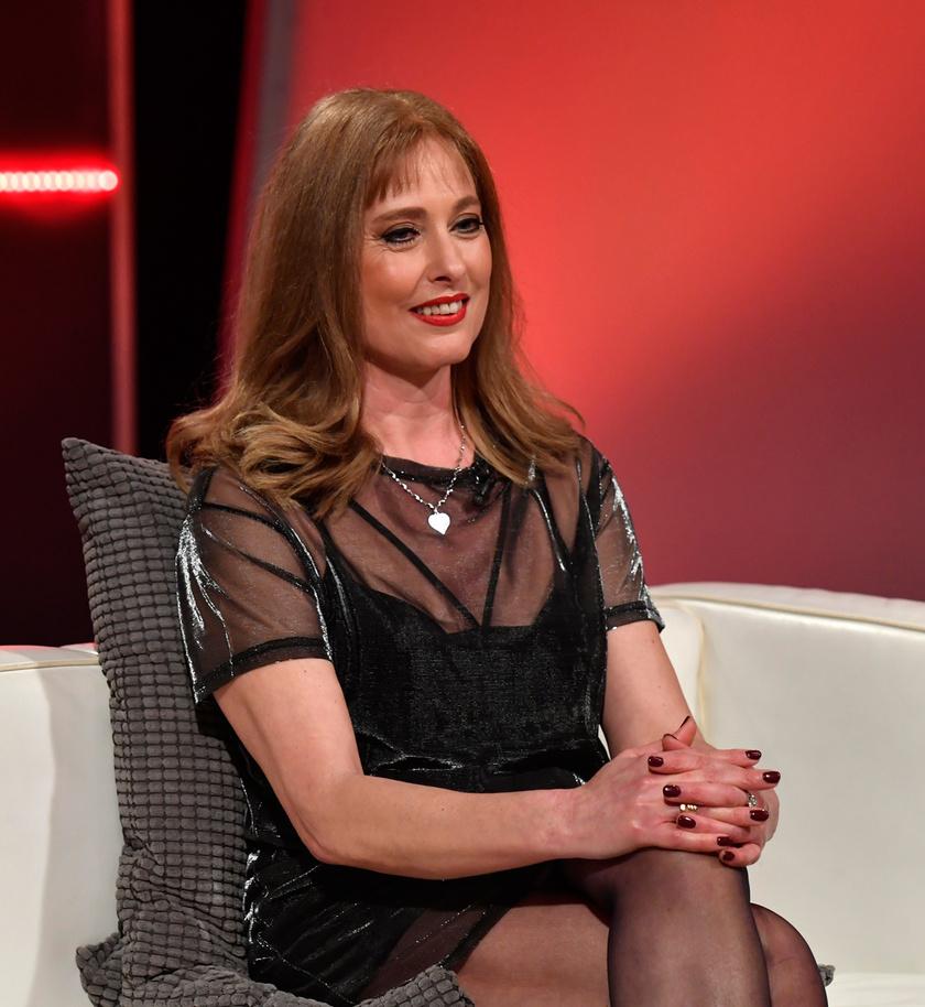 Fejes Erika 2018 márciusában a Hogy volt?! című tévéműsor felvételén, amelyben férje, Varga Miklós munkásságát idézték meg a meghívott vendégek.