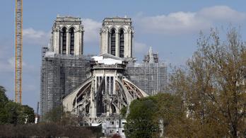Megint lezárták a Notre-Dame előtti teret