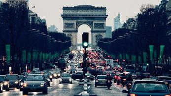 Kitiltották Párizsból a 15 évnél öregebb dízel, és a 25 évnél öregebb benzines autókat