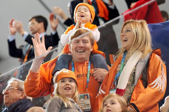 Vilmos Sándor, Maxima hercegnő és gyermekei, a 6 esztendős Katrina Amália, az 5 éves Alexia és a 2 éves Ariane hercegnők társaságában a vancouveri téli olimpián