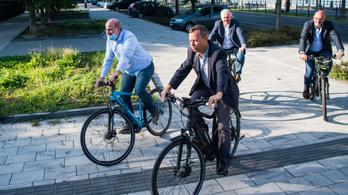 Határon átnyúló kerékpárkölcsönző indult Tatán