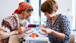 Home office-ból ápolják a világörökséget az ezerfős matyó falu asszonyai