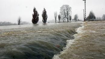 Két utat is lezártak az áradások miatt Borsodban