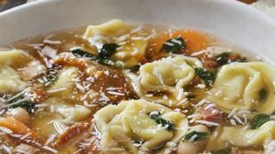 Te is imádod az olasz konyhát? Készíts tortellinilevest friss bazsalikommal a tetején
