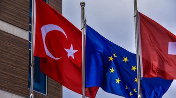 Felfüggeszthetik az EU-csatlakozási tárgyalásokat Törökországgal