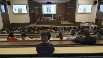 Kitart az egyetemek fejlesztése mellett a kormány