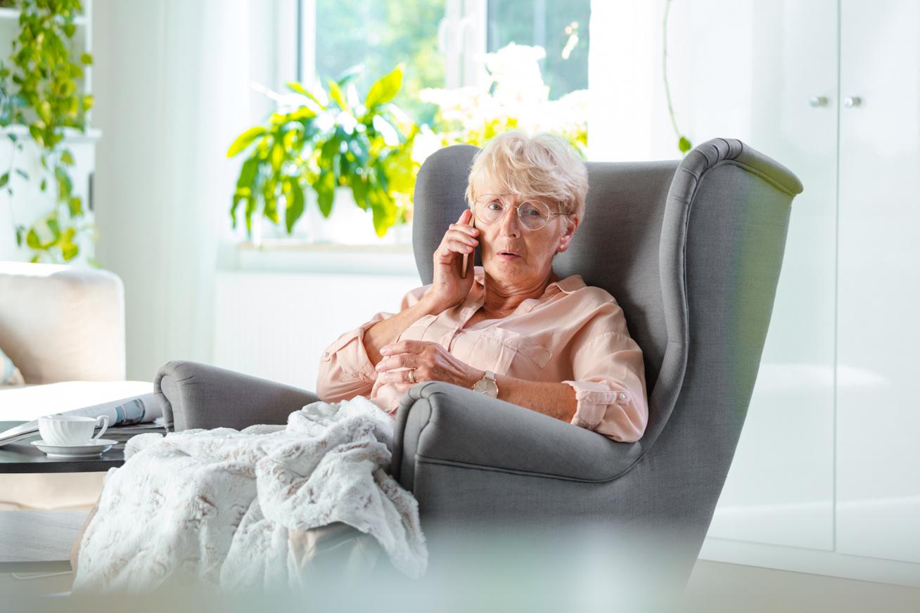 idős nő parkinson